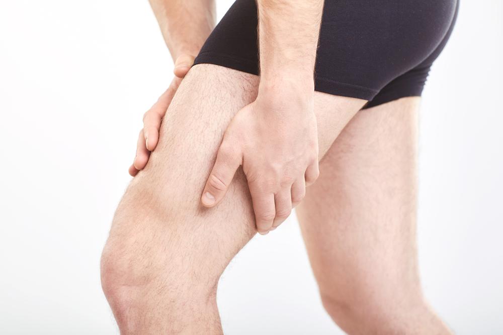 holding thigh